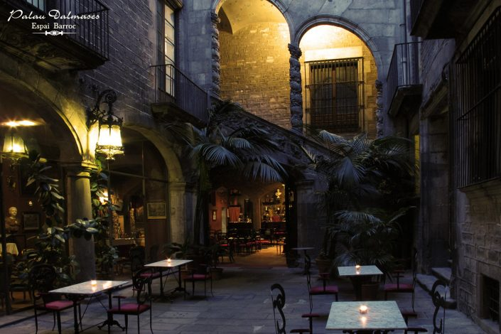 Palau Dalmases - Patio para eventos en Barcelona 01